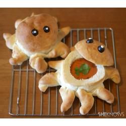 Kruhove skodelice za juho v obliki hobotnice
